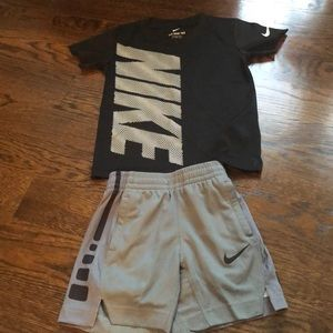Nike boys size 3 athletic set, like new!